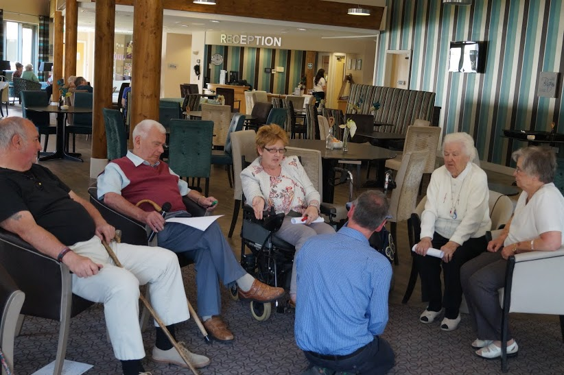 Engaging in dialogue in the care home